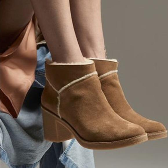 387622e4057 Ugg Kasen low boots. NIB